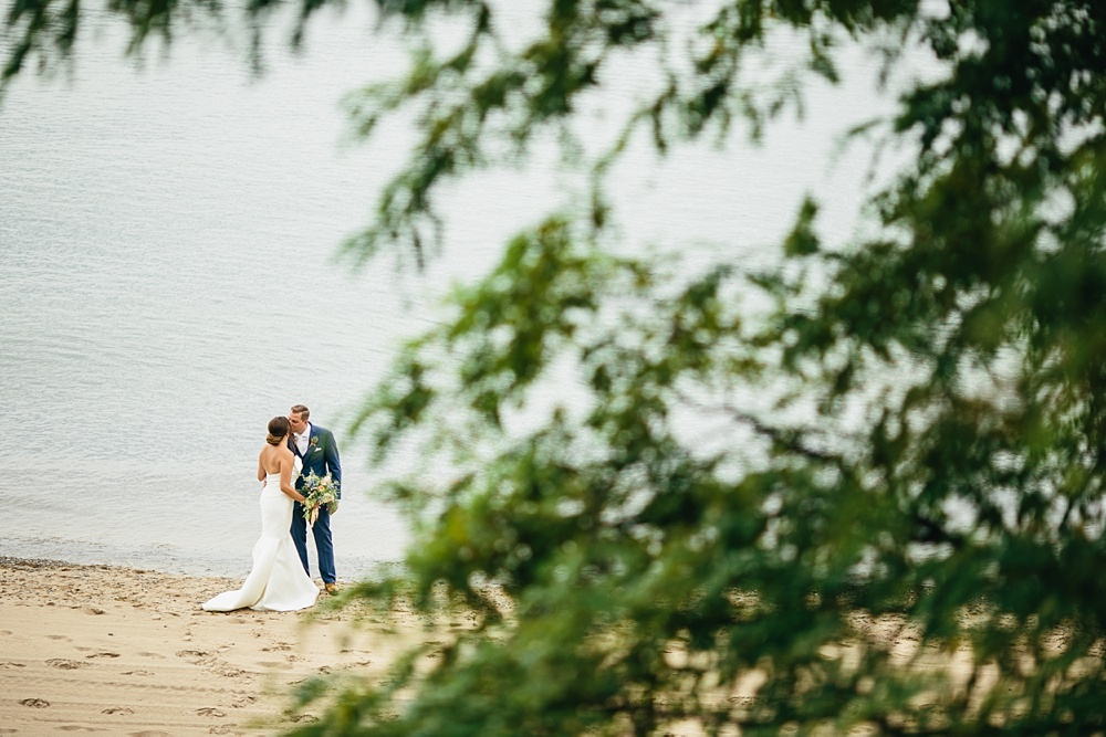 2_South_Haven_Lakehouse_Weddings_025