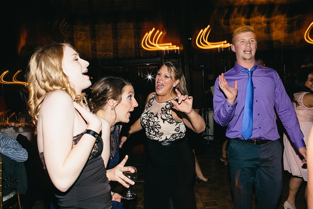 4_University_Club_Chicago_Weddings_094