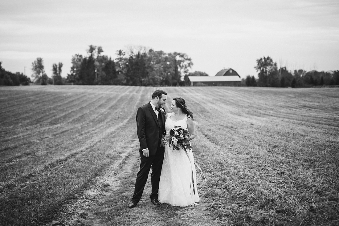 2_Heritage-Prairie-Farms-Weddings-032
