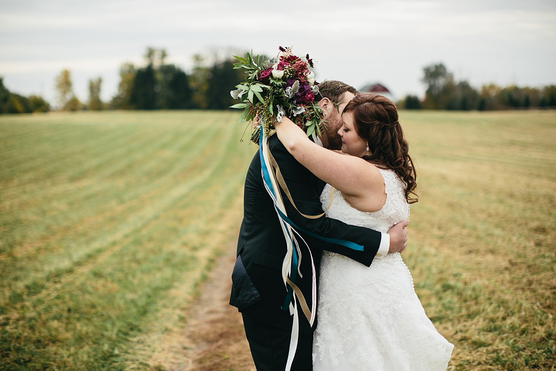 2_Heritage-Prairie-Farms-Weddings-033