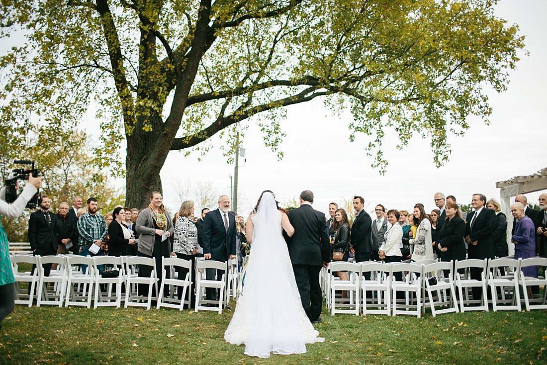 2_Heritage-Prairie-Farms-Weddings-042