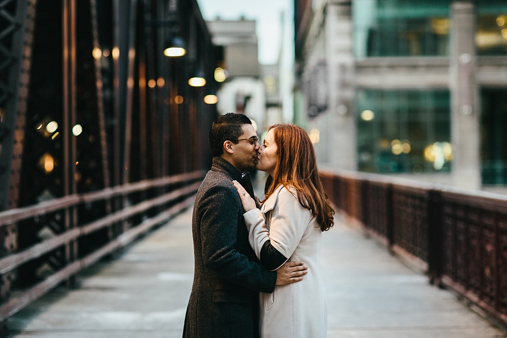 2_Lincoln-Park-Engagement-Chicago-034