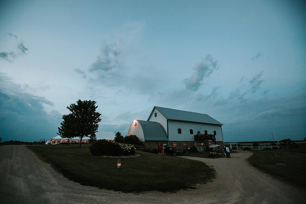 Century-Barn-Madison-Wedding-32