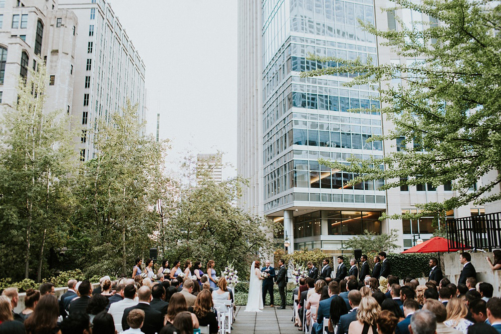 2_Weddings-at-Museum-of-Contemporary-Art-Chicago-039