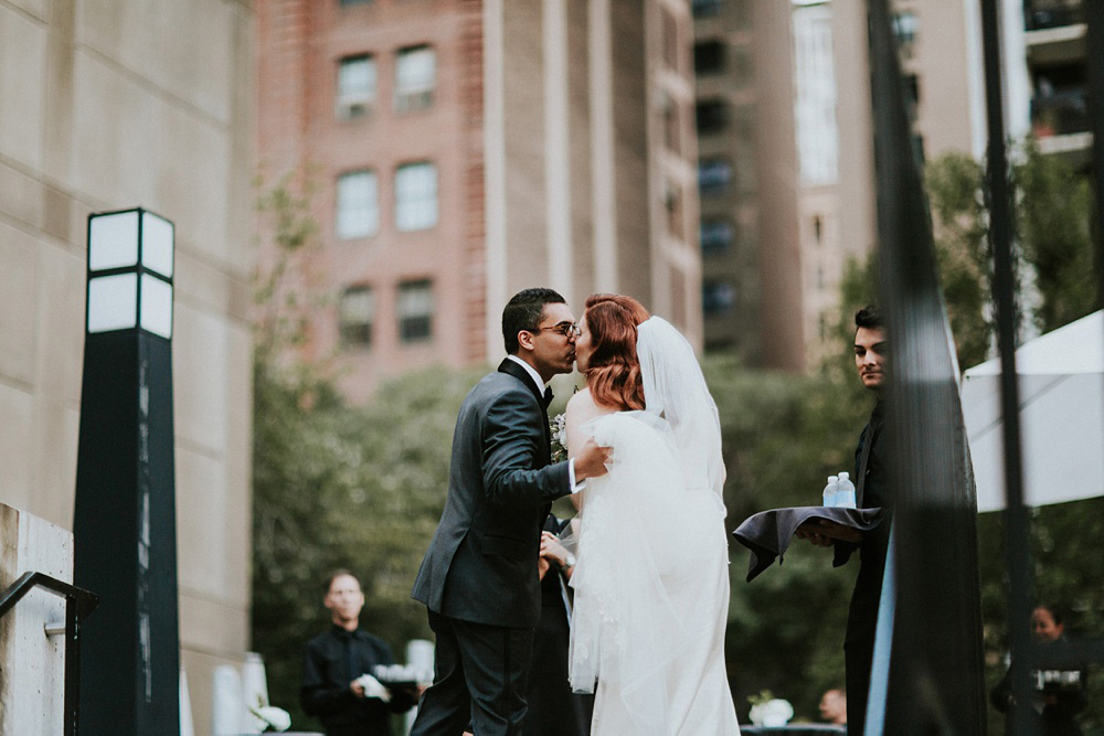 2_Weddings-at-Museum-of-Contemporary-Art-Chicago-043