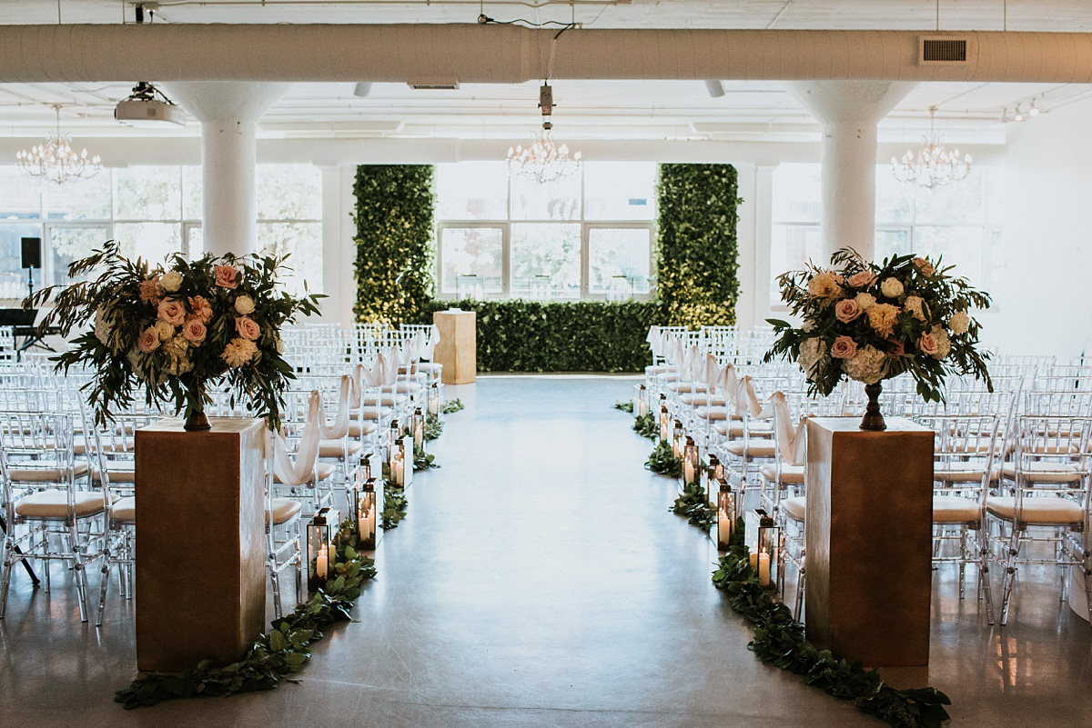 2_Weddings-at-Room-1520-Chicago-047