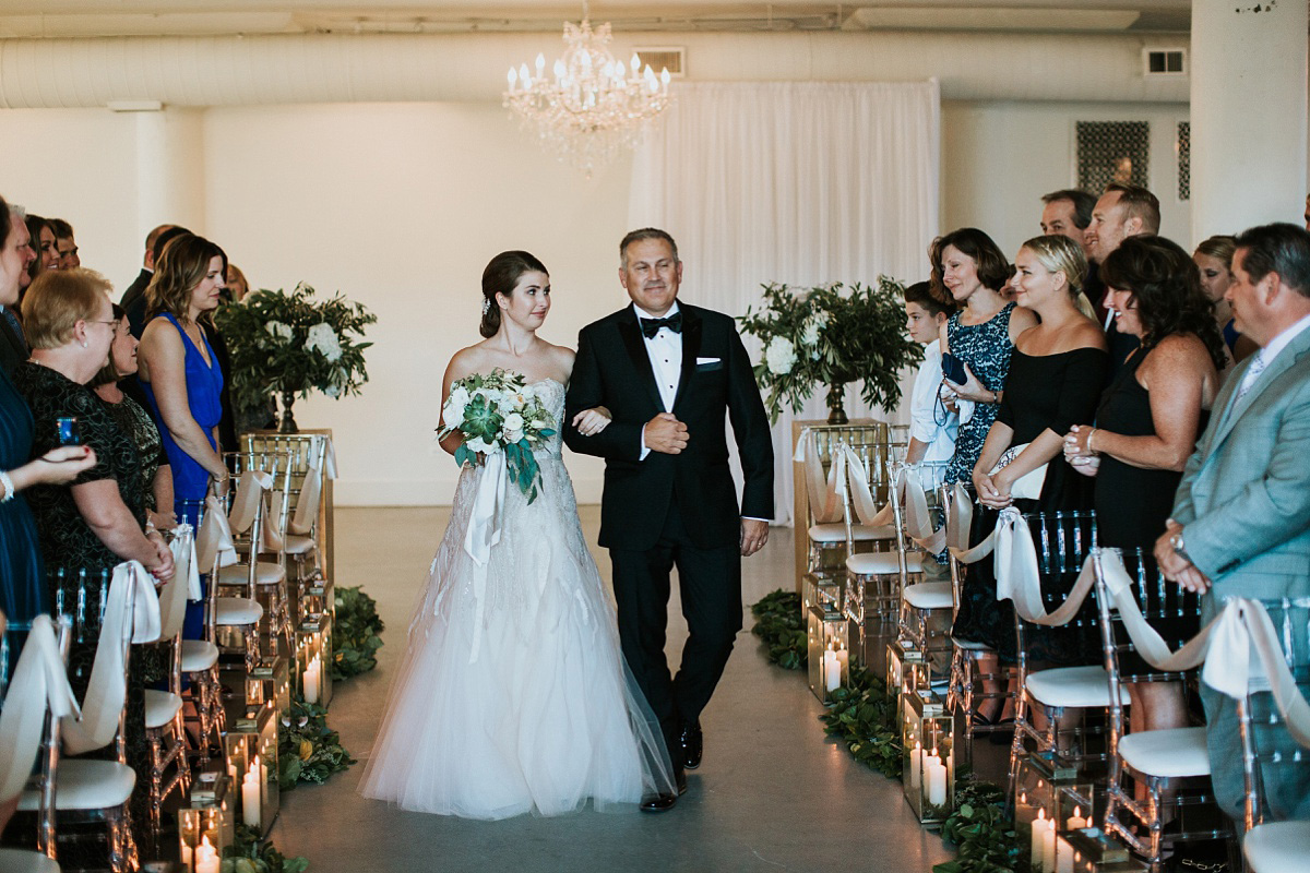 2_Weddings-at-Room-1520-Chicago-049