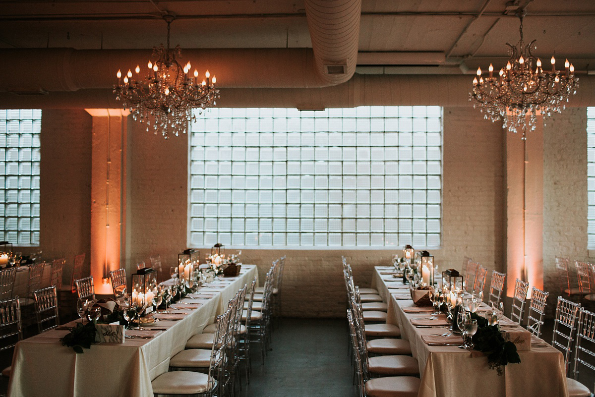3_Chicago-Room-1520-Wedding-077