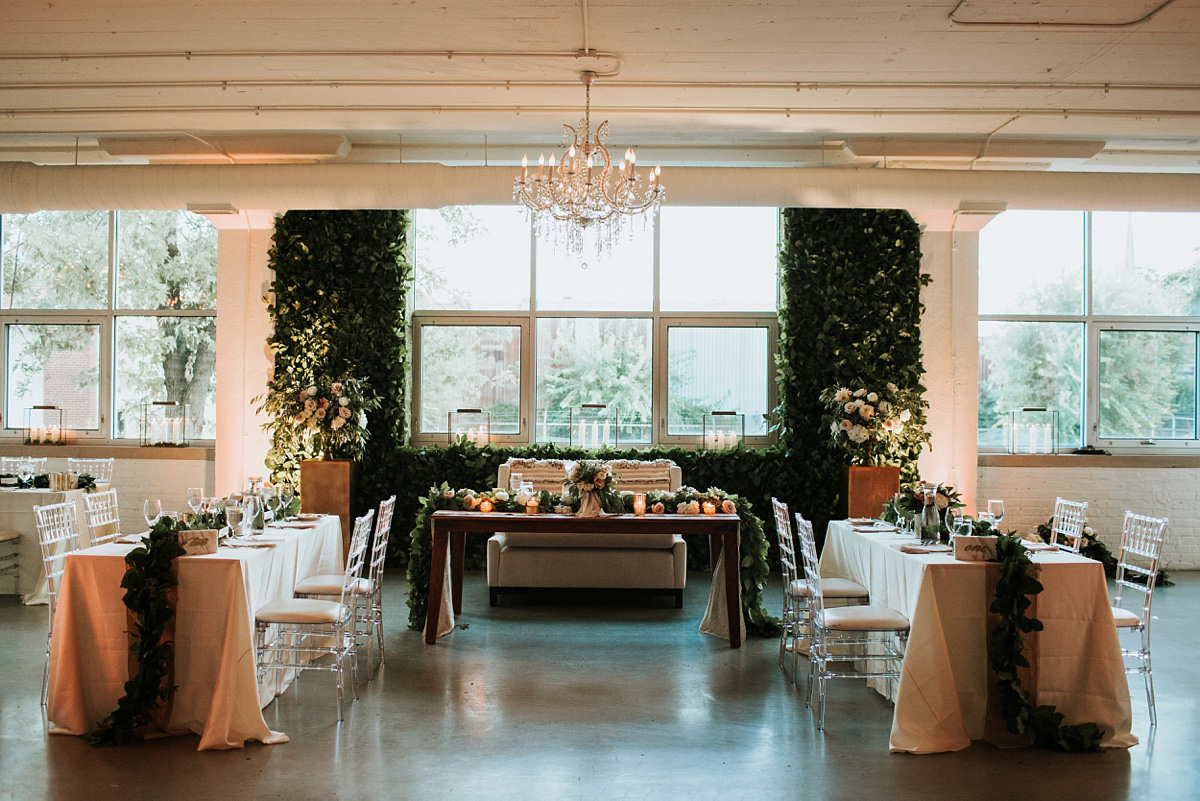 3_Chicago-Room-1520-Wedding-079